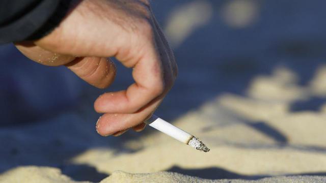 Beach+Smoking+generic_1531424374491_48412728_ver1.0_640_360_1550154318391.jpg