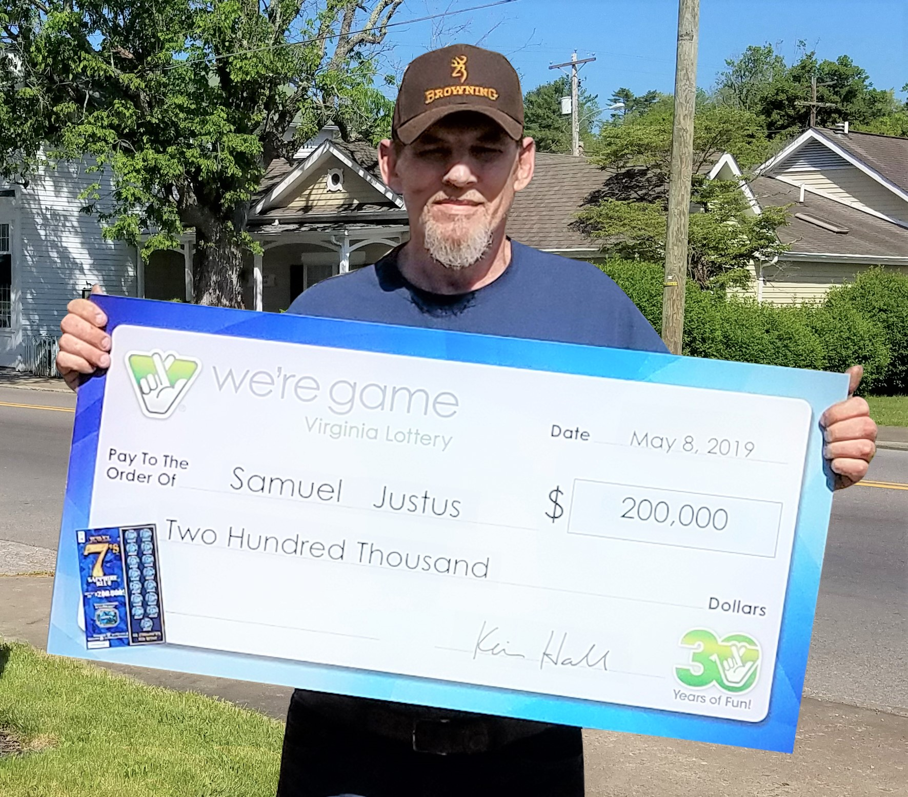 Three weeks after heart surgery, Grundy man wins $200,000 in lottery