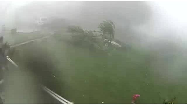 Intense winds during severe thunderstorm in Chuckey, TN