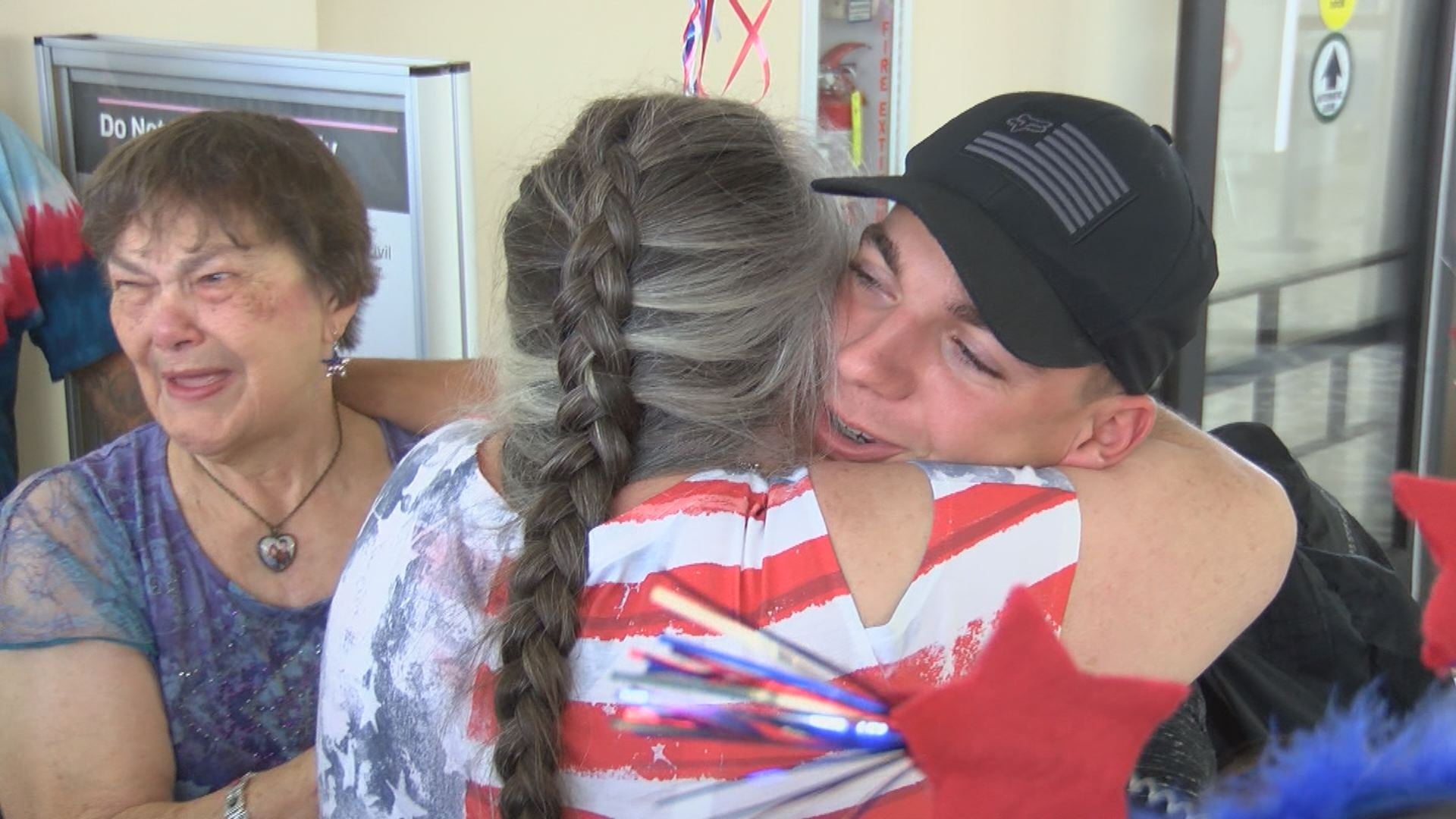Elizabethton Army soldier welcomed home with special surprise | WJHL