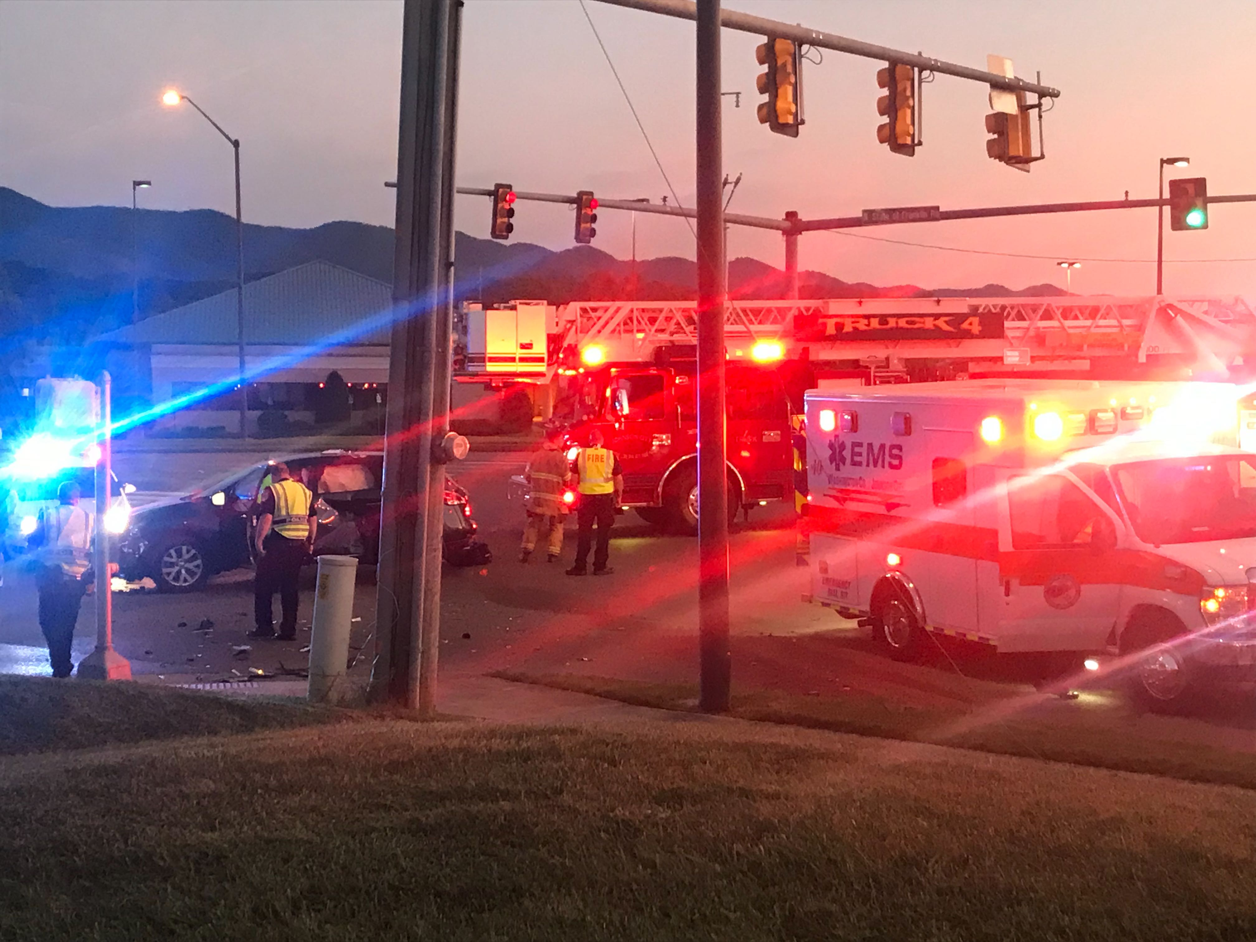 Minor injuries reported in crash in front of JCMC | WJHL