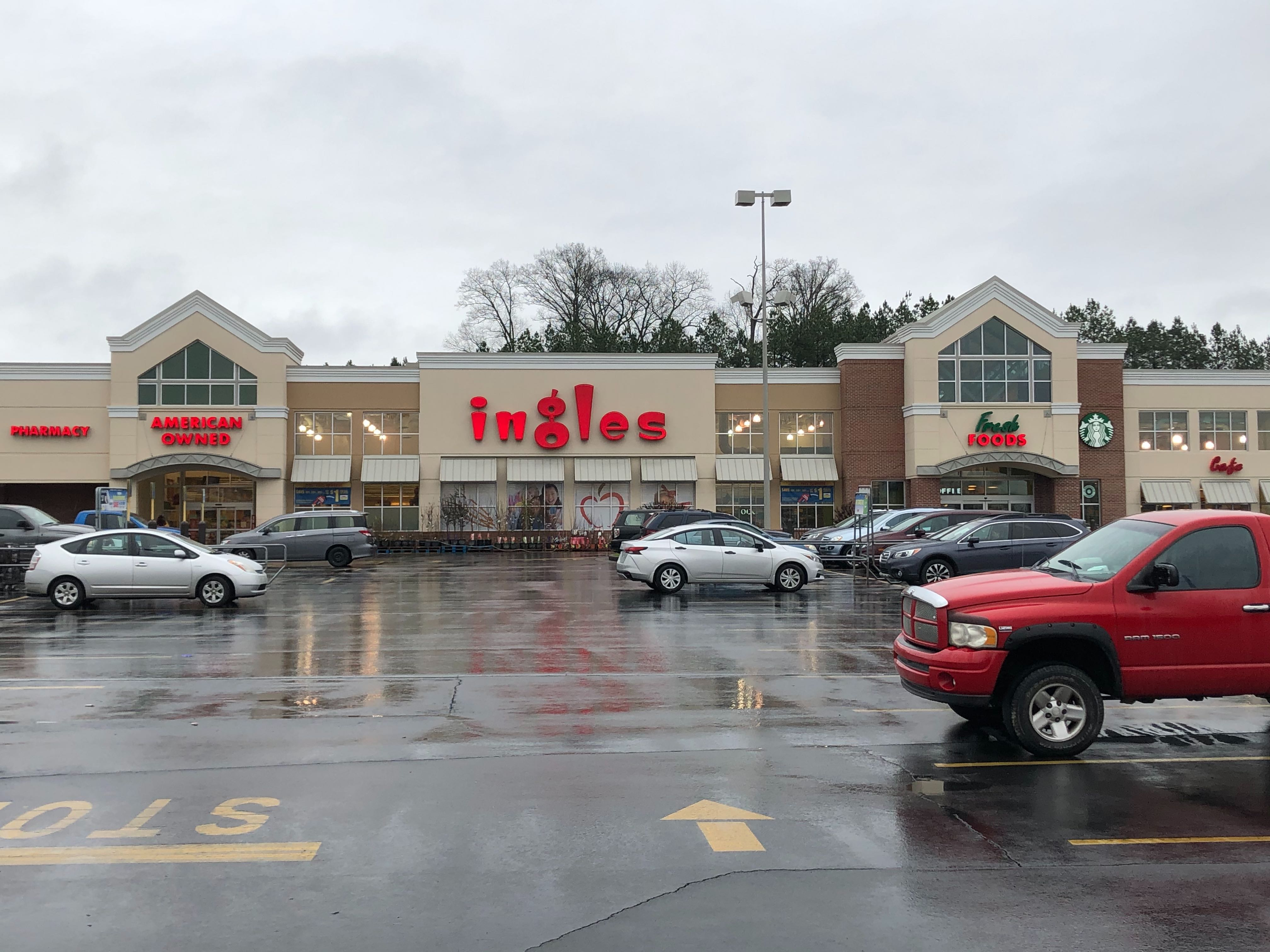 Christmas In The Park 2020 Chatsworth Ga Ingles Markets adjusting store hours to close at 10 p.m. until