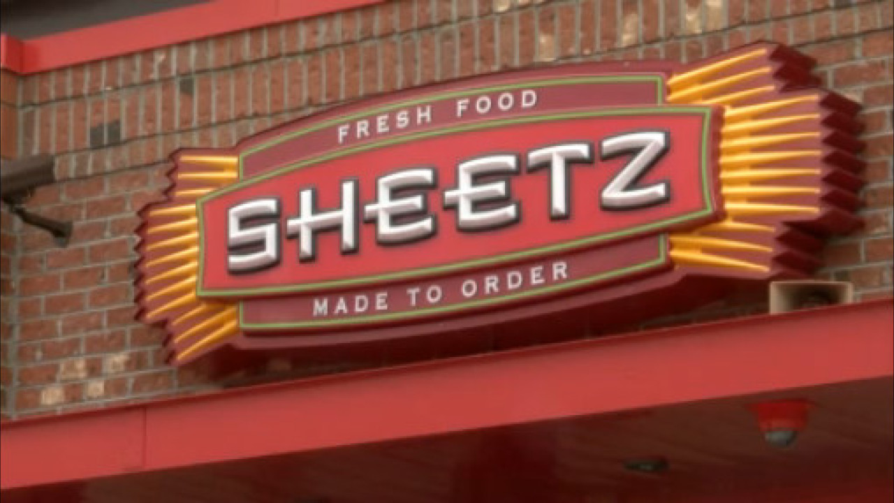 Sheetz Hours Christmas 2020 Sheetz to pay employees $3 more per hour during COVID 19 pandemic