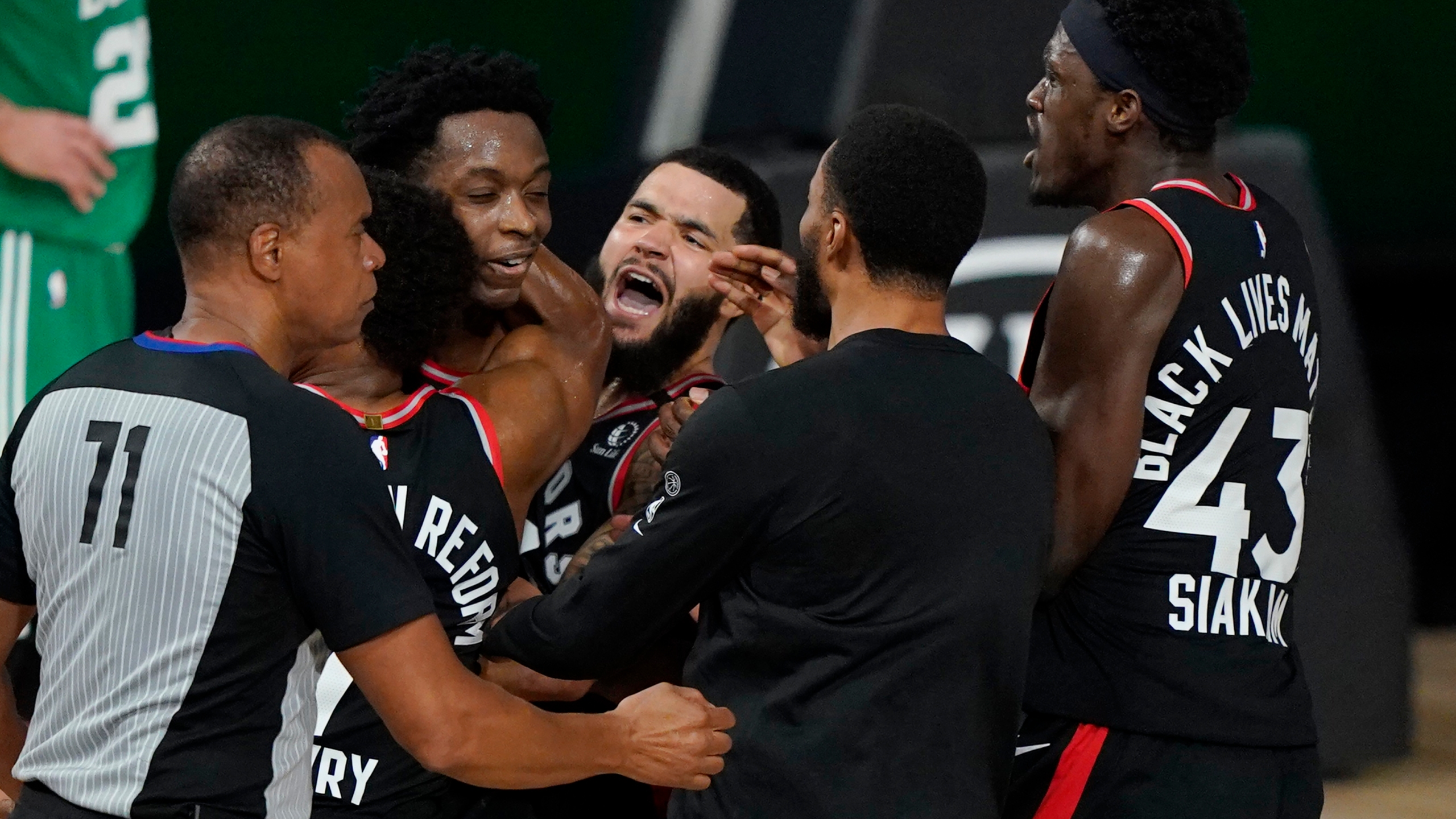 Holston Halloween Flash Mob 2020 Raptors Celtics prep for Game 4, Nuggets Clippers for Game 2