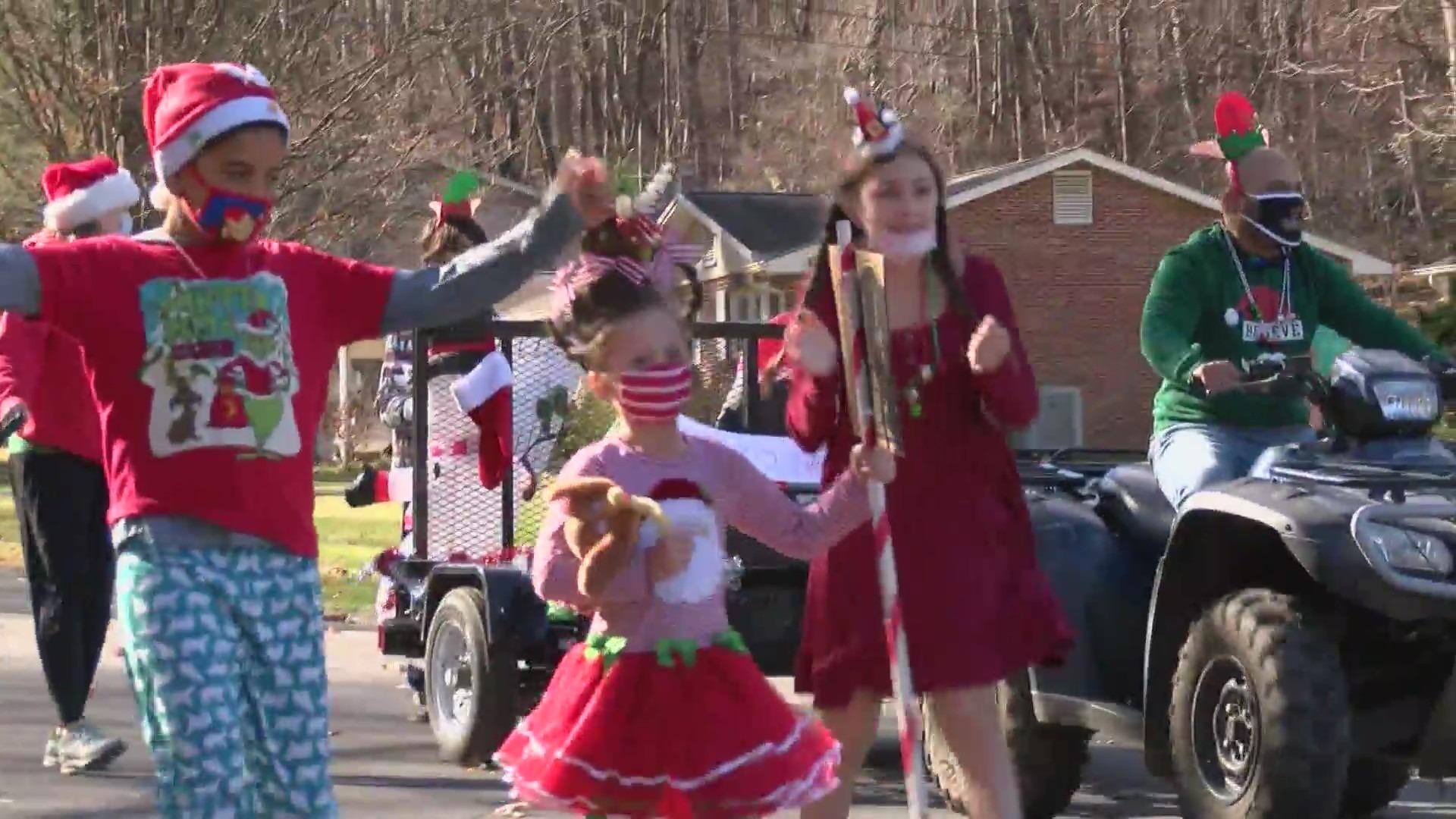 Johnson City Christmas Parade 2021 Johnson City Neighborhood Puts On Christmas Parade Wjhl Tri Cities News Weather